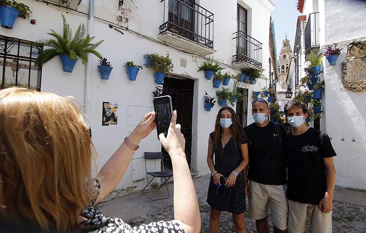 El bono turístico de Andalucía, disponible en las agencias de viajes de Utrera