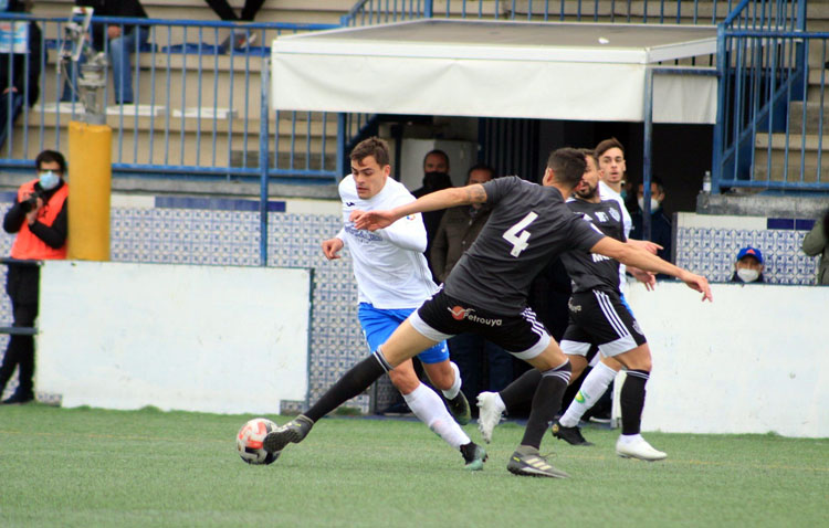 CASTILLEJA CF. 1-3 C.D. UTRERA: Victoria del Utrera en el primer partido de 2021