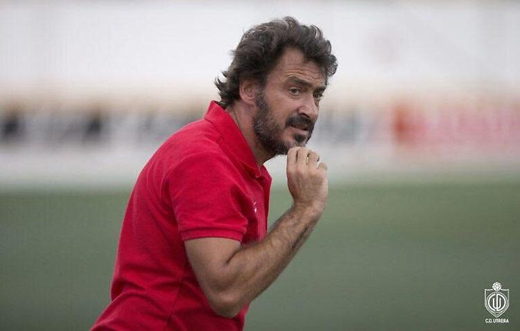 El C.D. Utrera anuncia que no renovará a Jesús Galván como entrenador