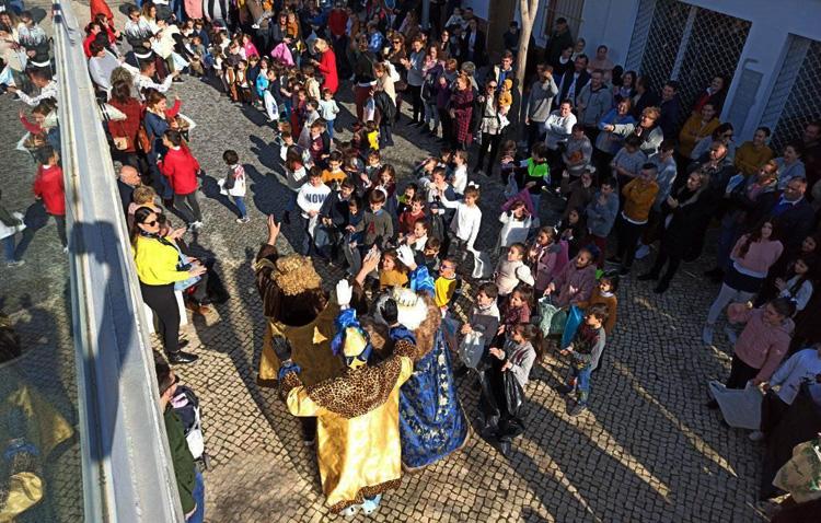 Los Reyes Magos repartirán caramelos y regalos a los niños de El Palmar de Troya en una cabalgata estática