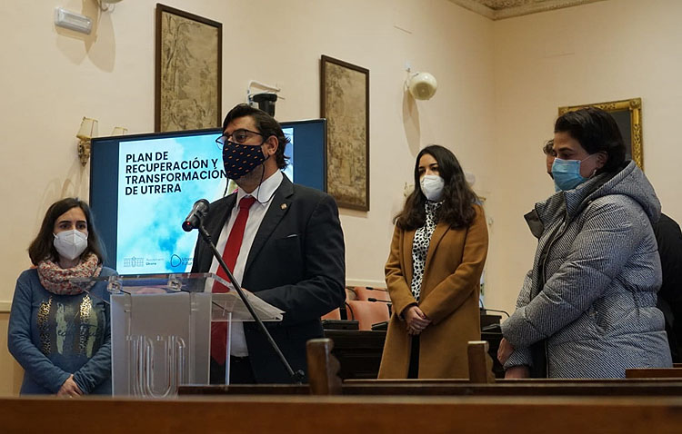 Utrera pone en marcha un histórico plan con 28 millones de euros de inversión en dos años para «transformar» la ciudad