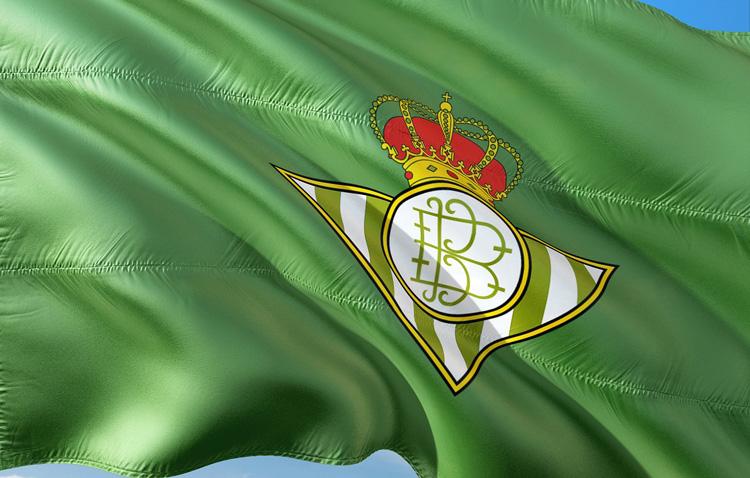 Dani Ceballos podría regresar al Betis