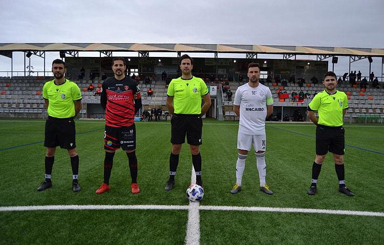 PUENTE GENIL 4 – 4 C.D. UTRERA: Empate a cuatro goles en un partido loco
