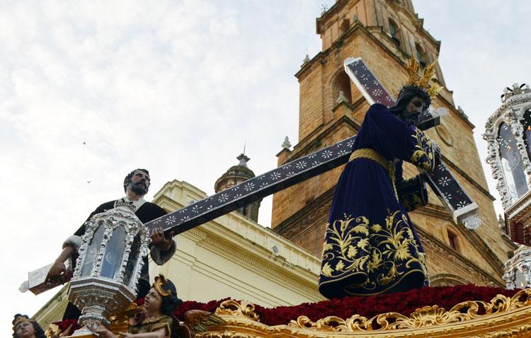 La cruz de carey, plata y nácar de Jesús Nazareno de Utrera, una joya que recuperará su esplendor tras la Semana Santa