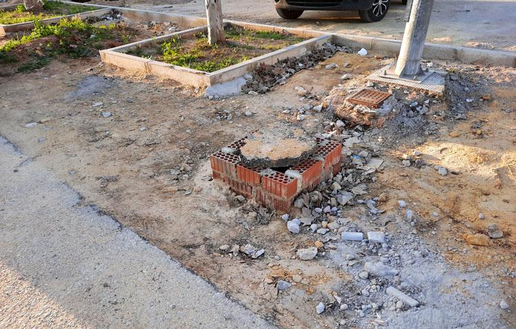Juntos por Utrera lamenta que las obras municipales «se perpetúen en el tiempo y sean un peligro para los ciudadanos»