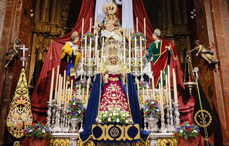 La hermandad de la Quinta Angustia celebra unos especiales cultos en honor al Cristo de la Caridad y a la Virgen de la Piedad