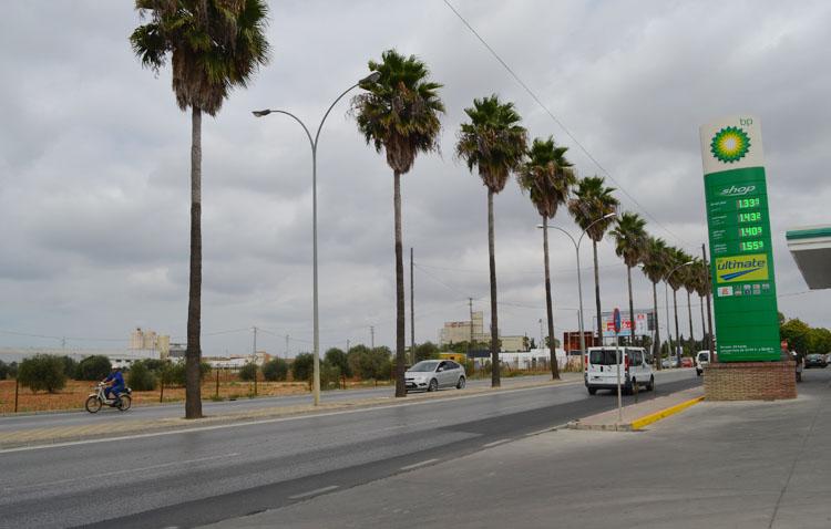 Luz verde a la implantación de una nueva superficie comercial en Utrera frente a la gasolinera BP