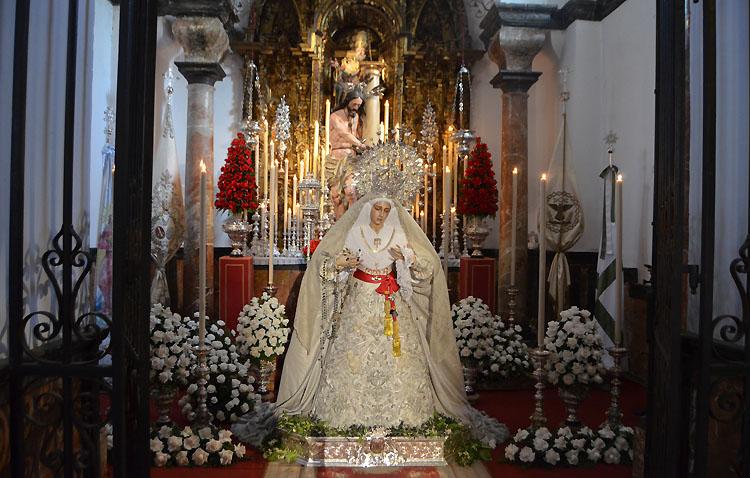 Un Miércoles Santo de oraciones íntimas en Utrera [GALERÍA]