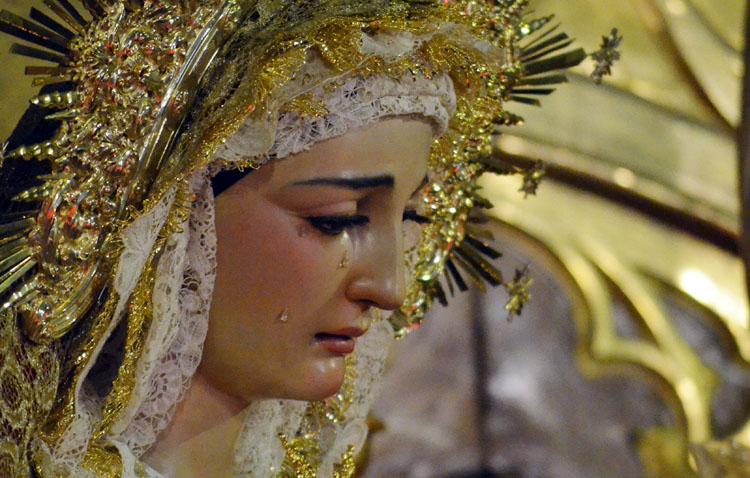 La hermandad de los Estudiantes celebra los cultos en honor a la Virgen de las Veredas