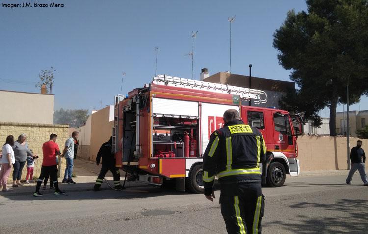 El incendio de varios cuadros eléctricos provoca la alarma entre los vecinos de El Junquillo