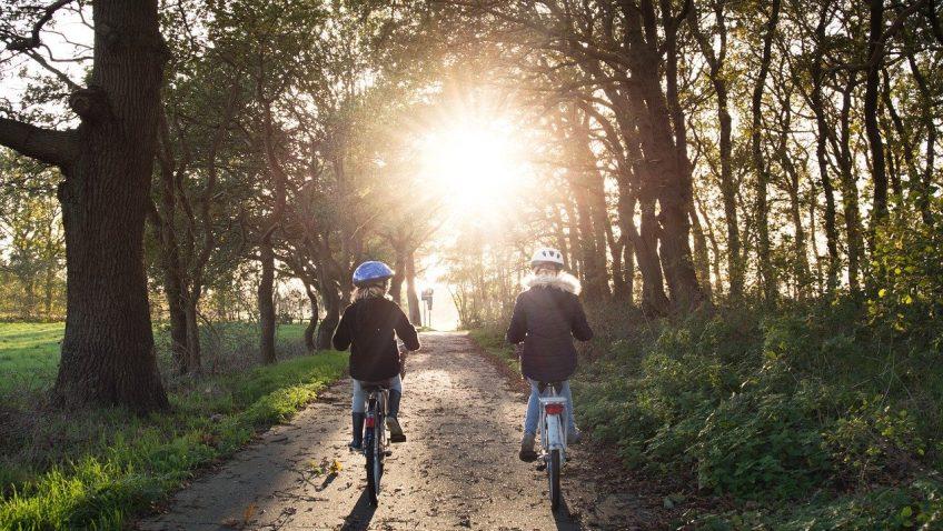 Consejos básicos para elegir bicicletas y patinetes para niños