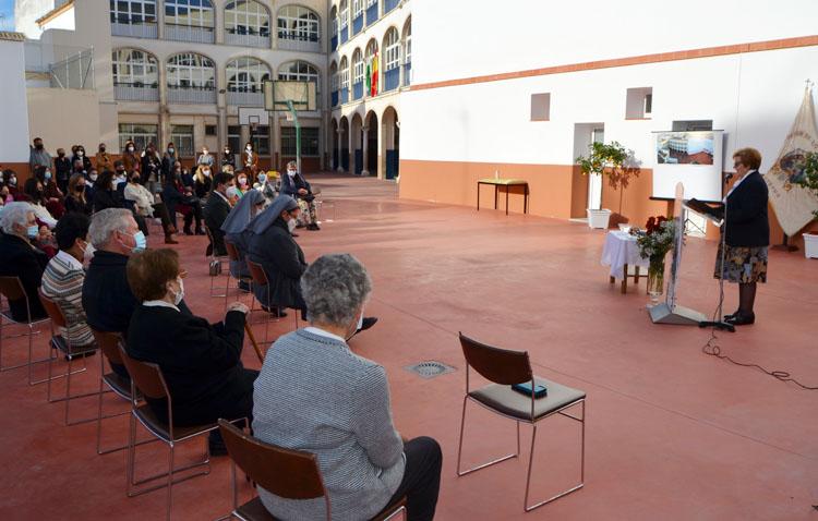 El colegio Sagrada Familia amplía sus instalaciones y prepara los cimientos para levantar un nuevo aulario en el futuro