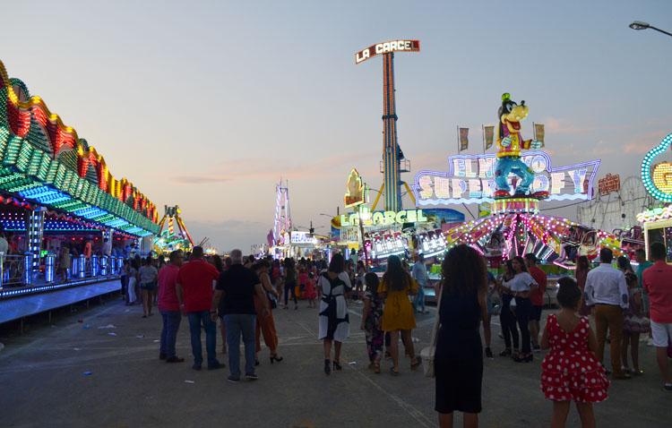 Utrera acogerá a finales de verano un parque de atracciones para que los feriantes recuperen su actividad económica