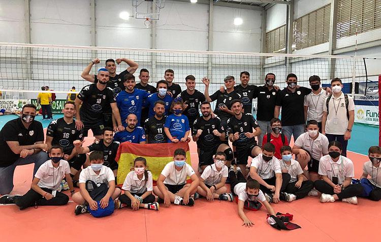 C.V. UTRERA 3 – 0 C.V. ROQUETES: El Club Voleibol Utrera gana brillantemente en su debut y se clasifica para semifinales [GALERÍA]