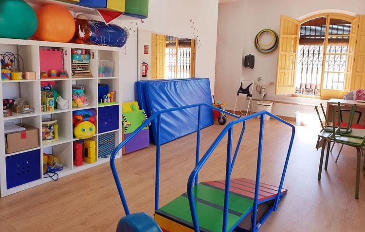 El centro de atención infantil temprana de Utrera impulsa un plan de calidad y un reglamento de funcionamiento