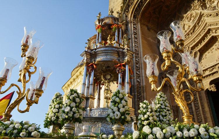 Luz verde a la restauración de la valiosa custodia de la parroquia de Santiago