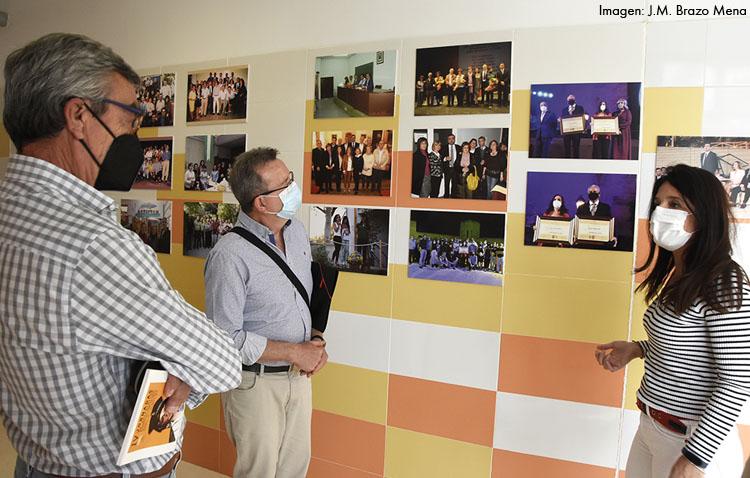 El instituto Virgen de Consolación retoma el programa del cincuentenario con una exposición de fotografías [VÍDEO]
