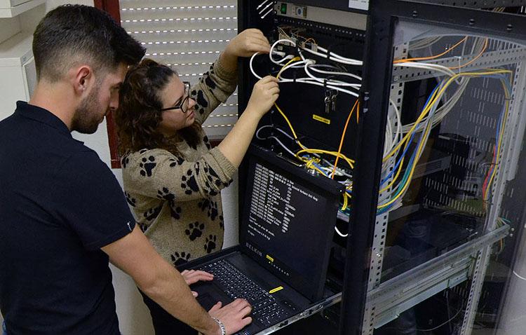 Alumnos de cuatro institutos podrán hacer sus prácticas en los centros de trabajo del Ayuntamiento de Utrera