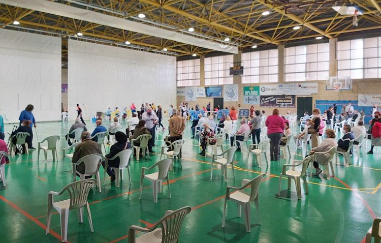 Vacunación masiva en el pabellón «Pepe Álvarez» a los utreranos de 66 y 67 años