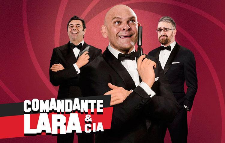Una tarde de risas en el teatro de Utrera con el humor del «Comandante Lara & Cía»