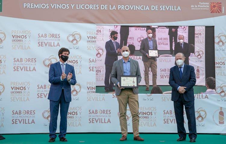 El anís seco «Flor de Utrera», medalla de oro en los premios a los mejores vinos y licores de la provincia