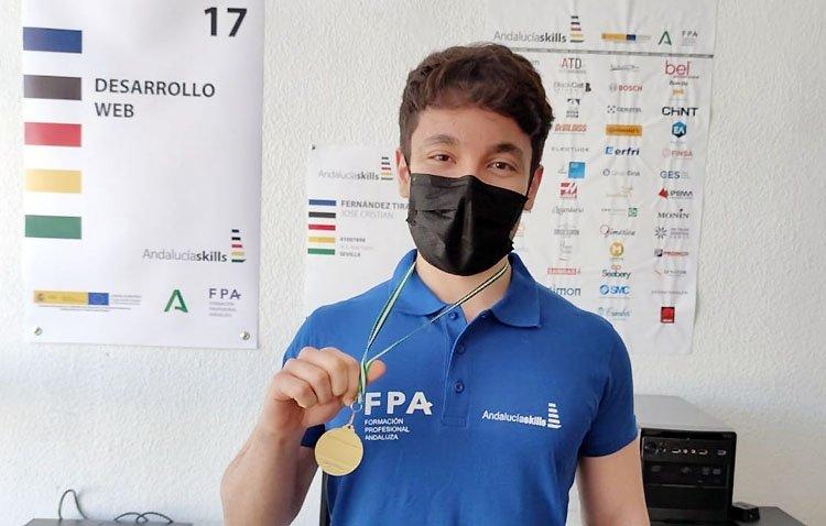 El utrerano José Cristian Fernández triunfa en el campeonato andaluz de Formación Profesional y competirá a nivel nacional