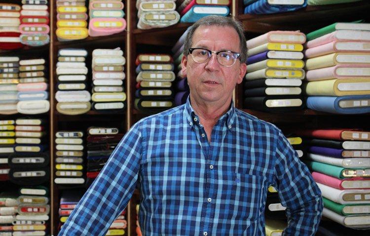 El histórico comercio utrerano «Miguel Vidal» se despide de su clientela