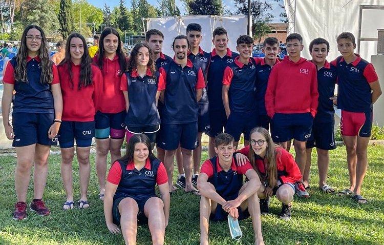 El Club Natación Utrera logra más de una veintena de medallas en el «XXX Trofeo Ciudad de Montilla»