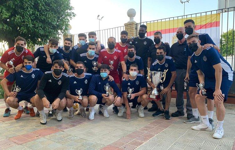 El Utrera Atlético recibe el título de campeón de la Segunda Andaluza