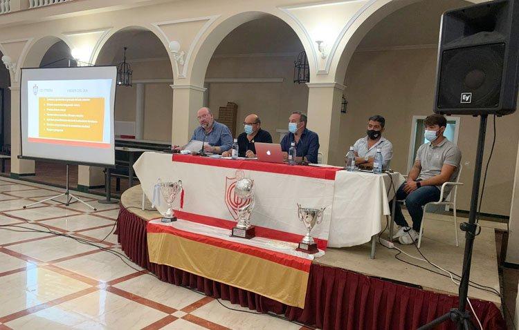 La asamblea del Club Deportivo Utrera, marcada por la incógnita sobre la continuidad de la actual junta directiva