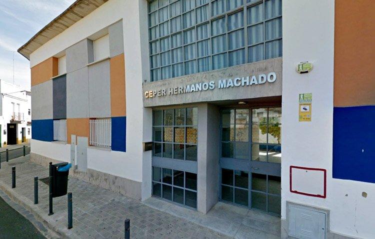 Una puerta abierta a la formación para adultos en Utrera