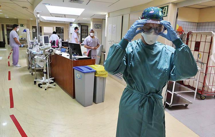 Un fallecido y un positivo por COVID-19 en Utrera en un jueves sin cambios en la tasa de contagios