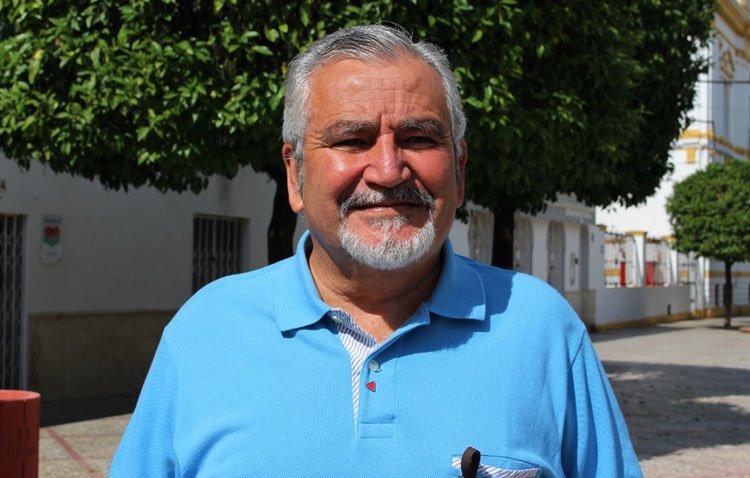 La historia de Cristóbal Lobato, un conocido utrerano que fue concejal, entrenador del Club Deportivo Utrera y director de la Escuela de Fútbol