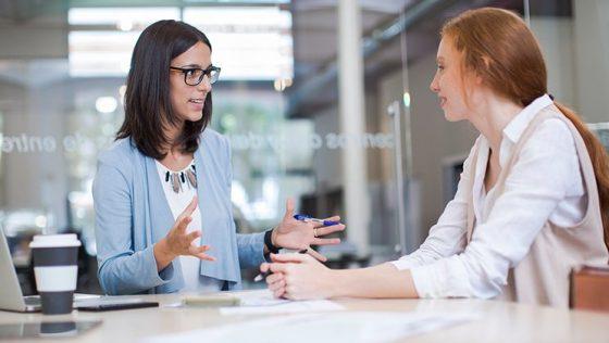 Nunca elijas el naranja para una entrevista de trabajo (y otros consejos útiles)