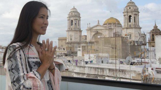 Cádiz , turismo de bienestar con la 'influencer' Xuan Lan