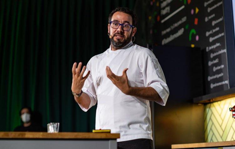 El chef utrerano Jesús Escalera deslumbra al prestigioso congreso internacional de gastronomía «Madrid Fusión»