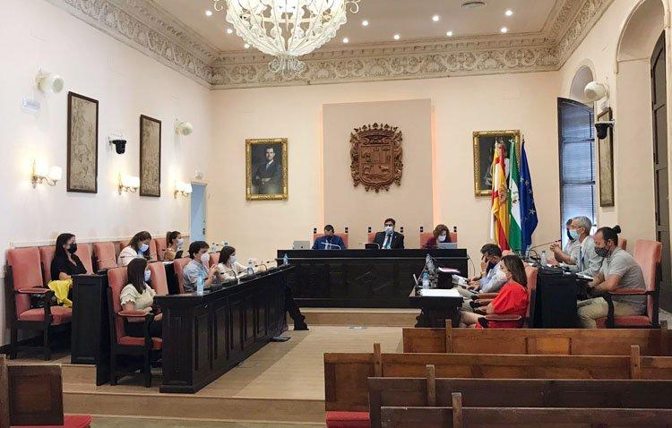 Utrera aprueba los presupuestos para la «recuperación del pulso económico de la ciudad»
