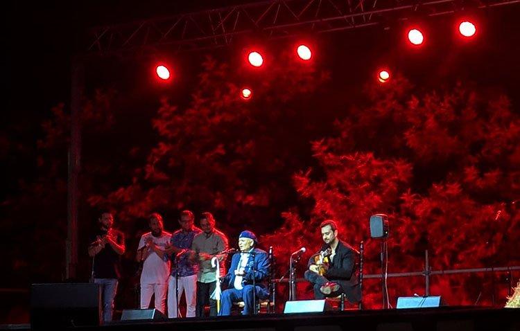 El flamenco se impone a las dificultades para regalar a Utrera un histórico Potaje Gitano