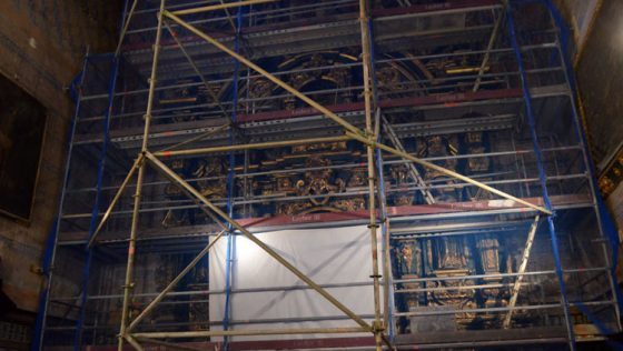 Comienzan los trabajos para dejar los retablos laterales de Consolación «en perfecto estado de revista»