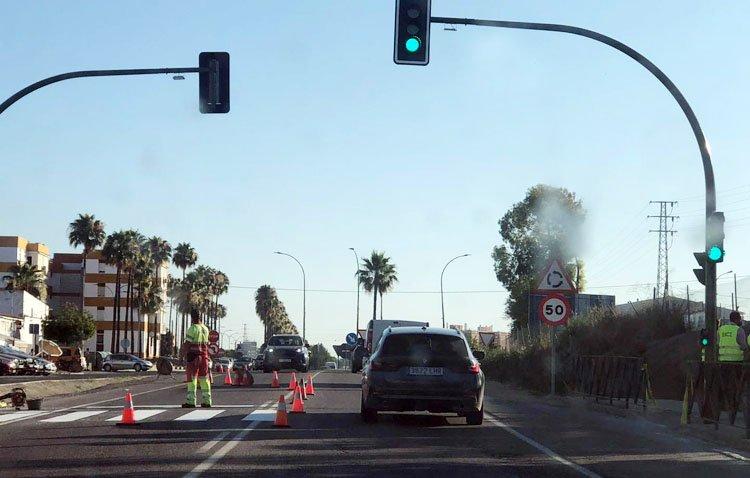 El semáforo entre la calle Molares y Vistalegre es por fin una realidad