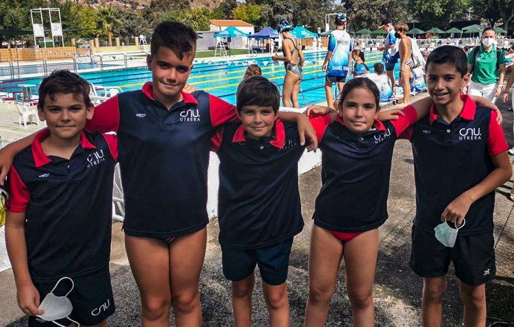 Los benjamines del Club Natación Utrera  ponen el broche a la temporada con la participación en el Campeonato de Andalucía