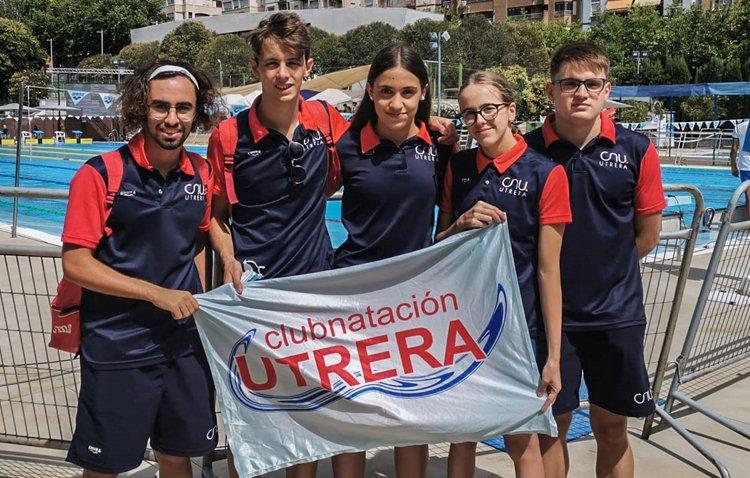 El Club Natación Utrera participa con resultados muy destacados en el campeonato de Andalucía Absoluto-Júnior de Verano