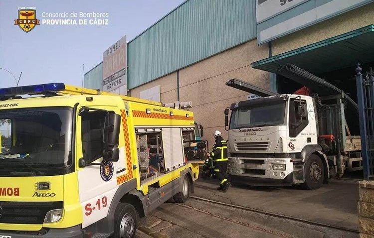 Un utrerano fallece en un trágico accidente de trabajo en Chiclana tras quedar atrapado por nueve vigas