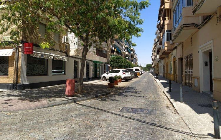 Los adoquines desaparecerán del tramo final de la calle Cristóbal Colón