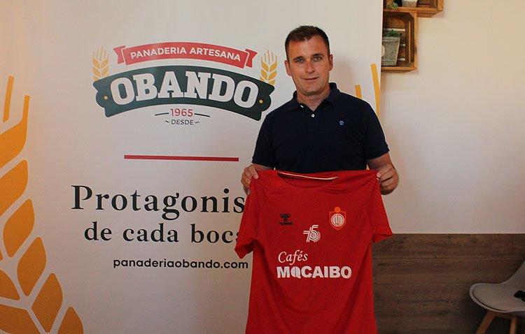 El nuevo entrenador del C.D. Utrera se marca como «objetivo primordial» el ascenso de categoría