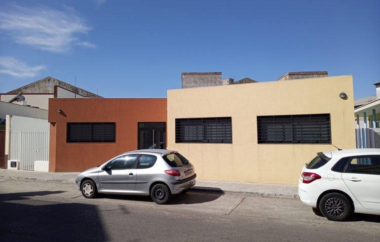 El centro para personas mayores de Olivareros construirá una segunda planta para ampliar los talleres y atender la demanda