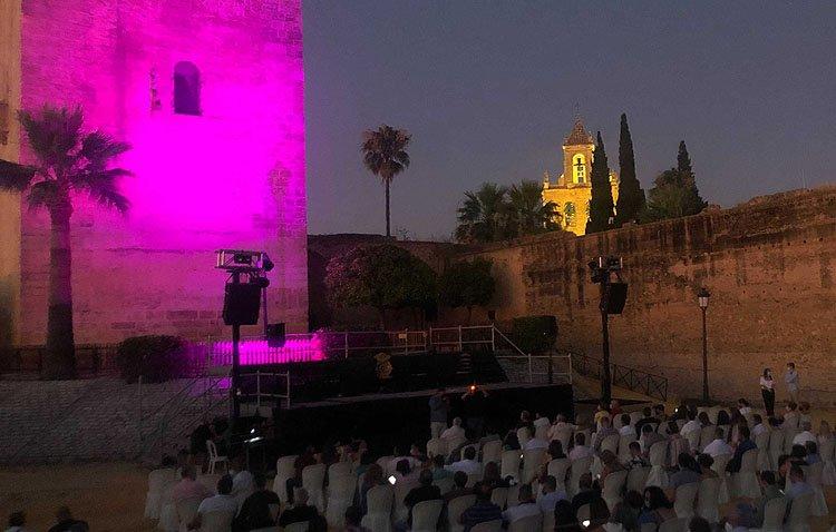 Una noche de títeres y otra con Enrique Montoya y Manuel de Angustias para disfrutar del verano en el castillo de Utrera