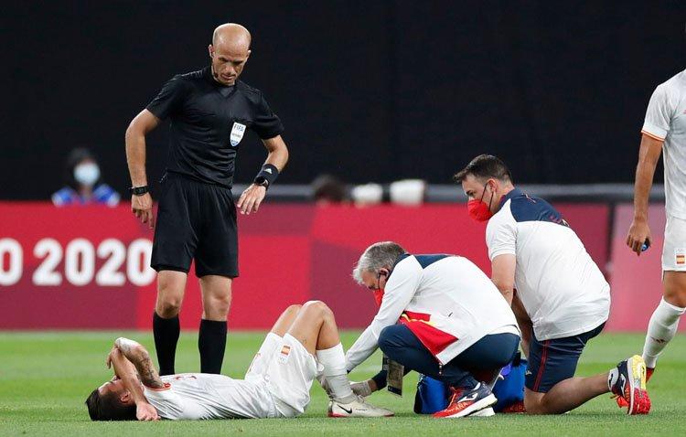 La lesión de Dani Ceballos en los Juegos Olímpicos es más grave de lo previsto: rotura de ligamento y dos meses de baja