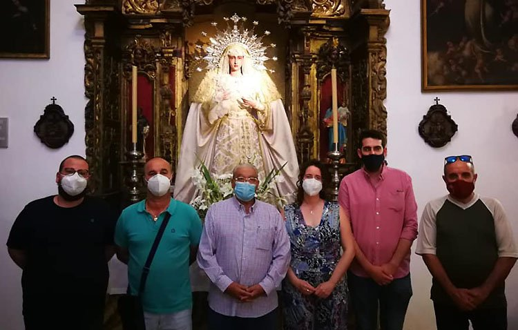 La hermandad de la Trinidad anuncia el cambio de banda de música que acompaña a la Virgen de los Desamparados