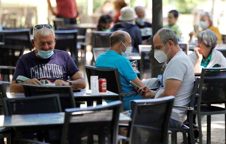 Utrera retrocede a nivel 2 de alerta sanitaria y reduce el número de comensales por mesa en los bares